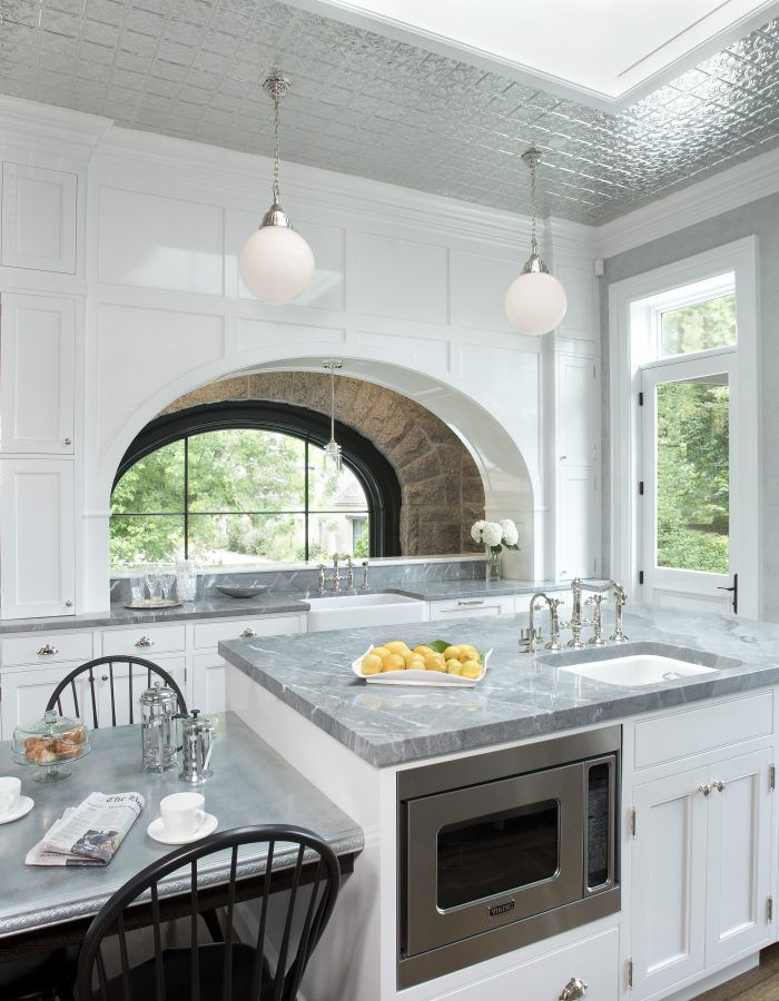 Stunning Kitchen Opening into breakfast room